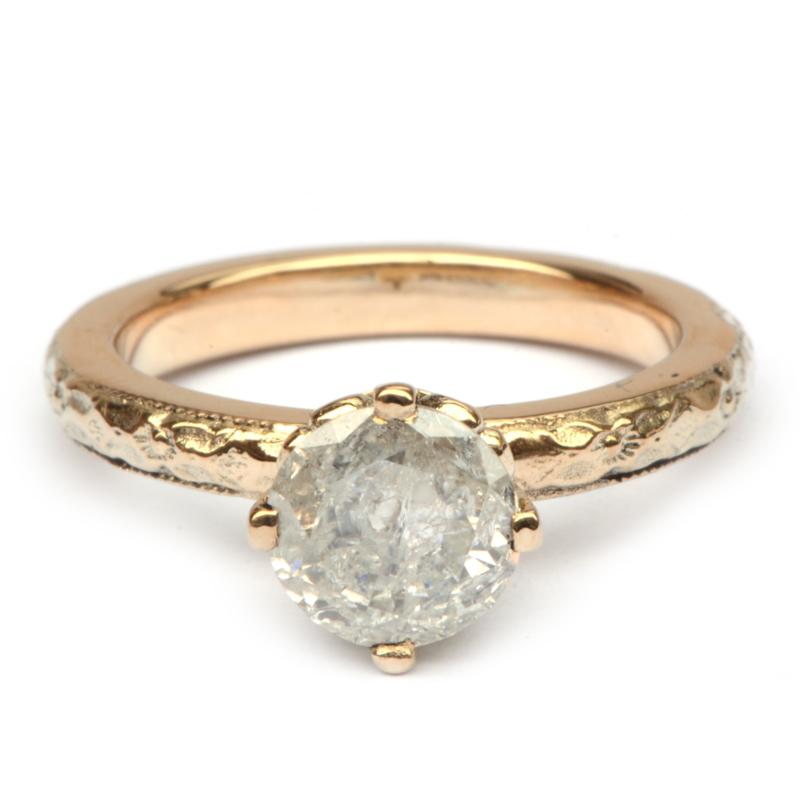 Ring met grote ice diamond