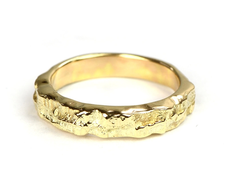 Boomschors ring van opa's oude gouden trouwringen