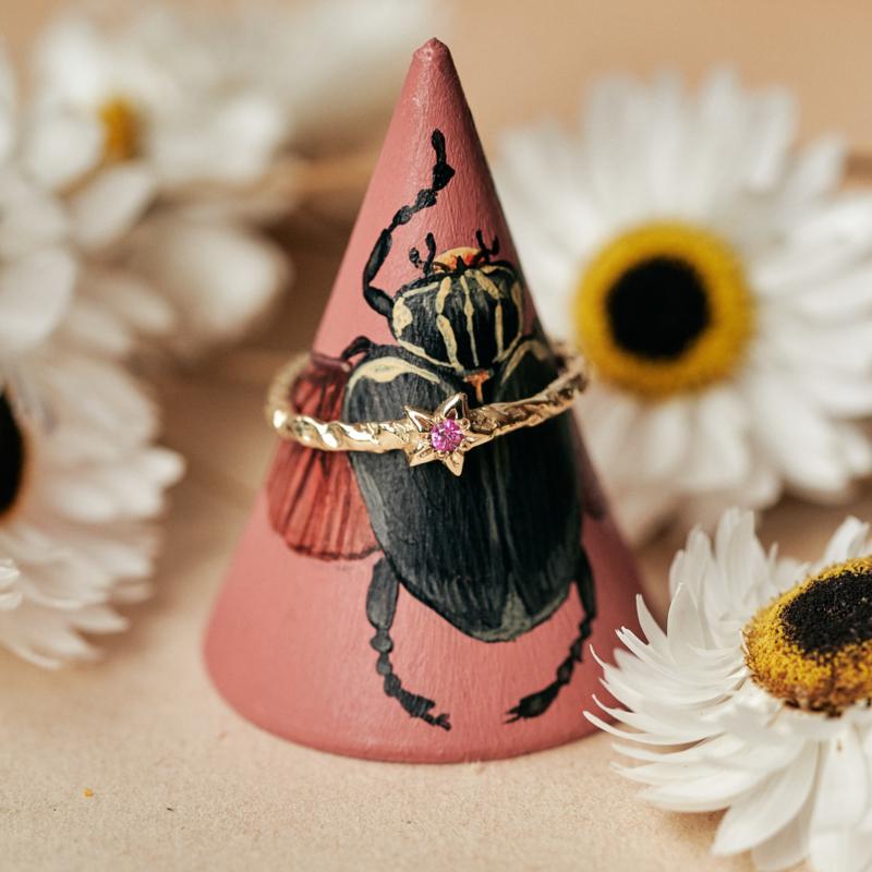 Maia ring met roze saffier