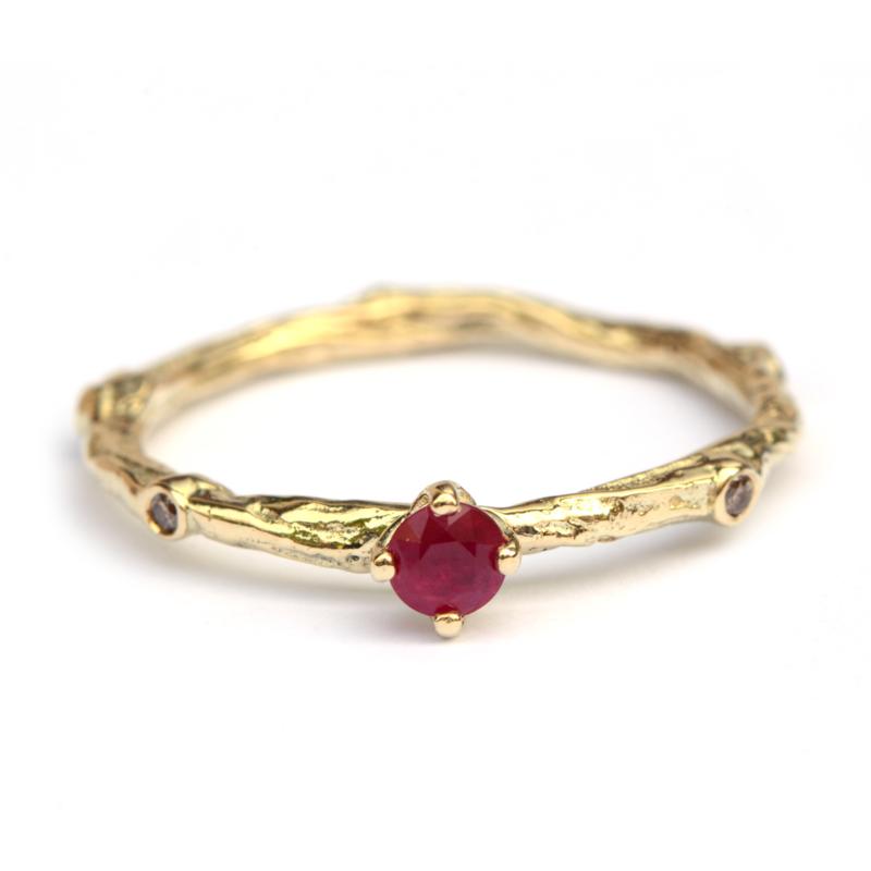 Ring Talia met robijn en bruine diamantjes