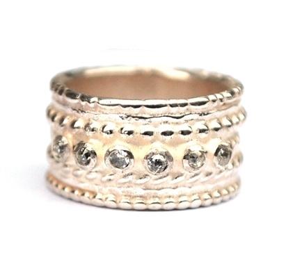Zilveren ring met diamantjes