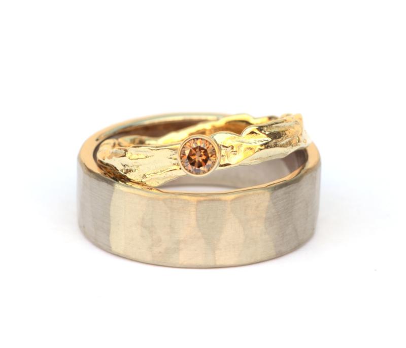 Trouwringenset witgoud en bruine diamant