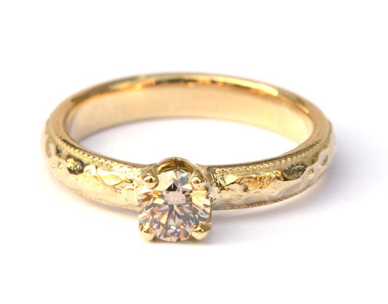 Verlovingsring met bruine diamant