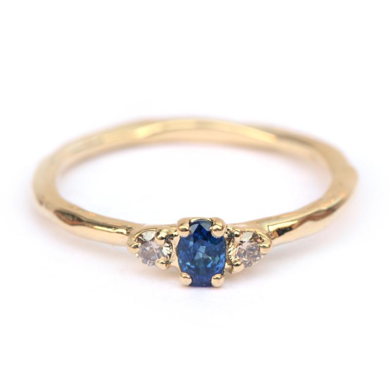Ring met saffier en bruine diamant GERESERVEERD