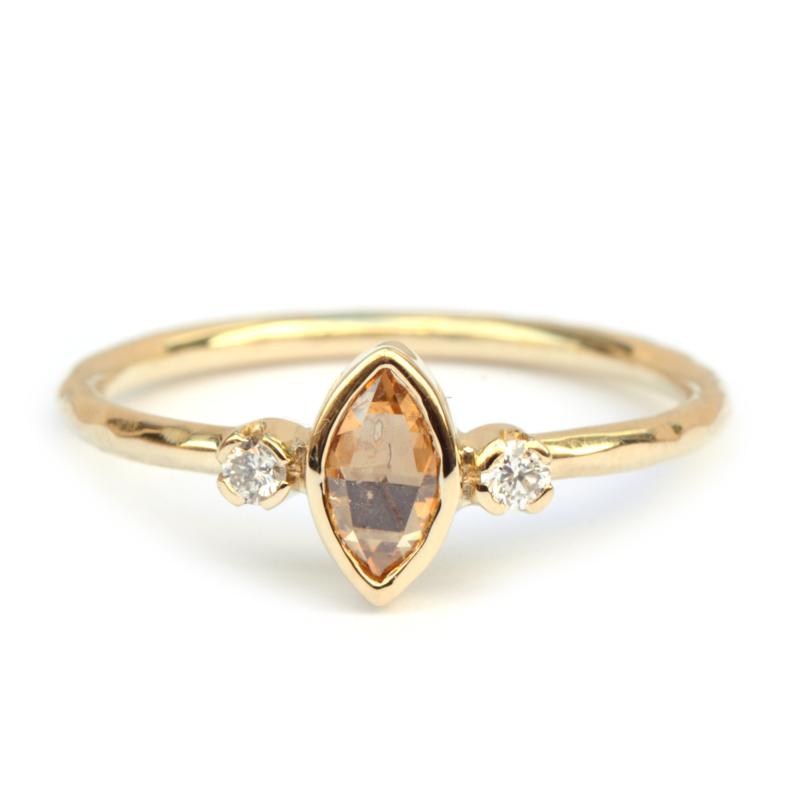 Verlovingsring met marquise diamant