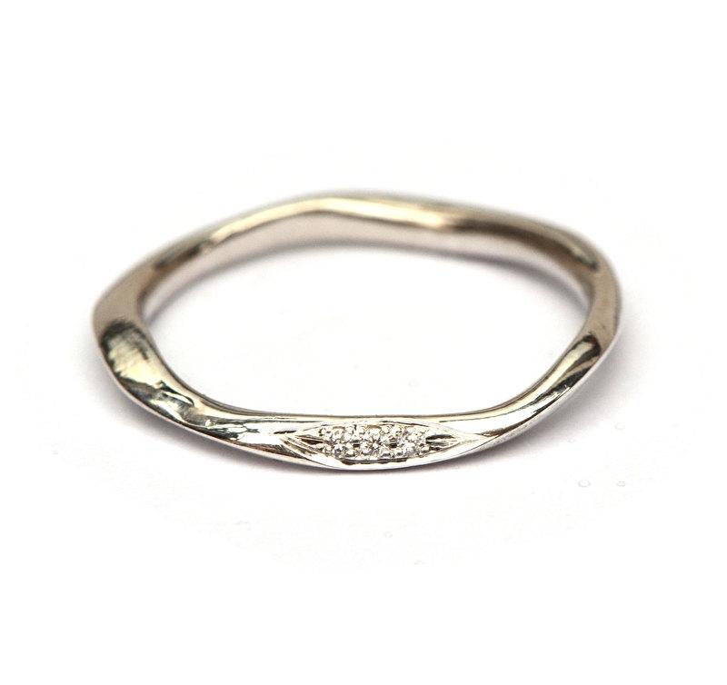 Zilveren organische ring met diamantjes