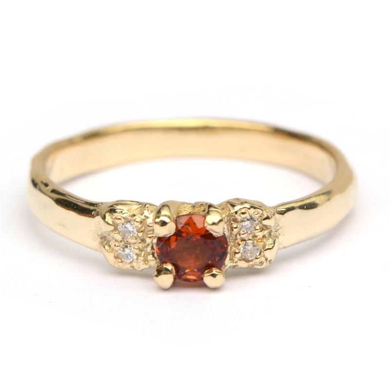 Ring Oda met mandarijngranaat