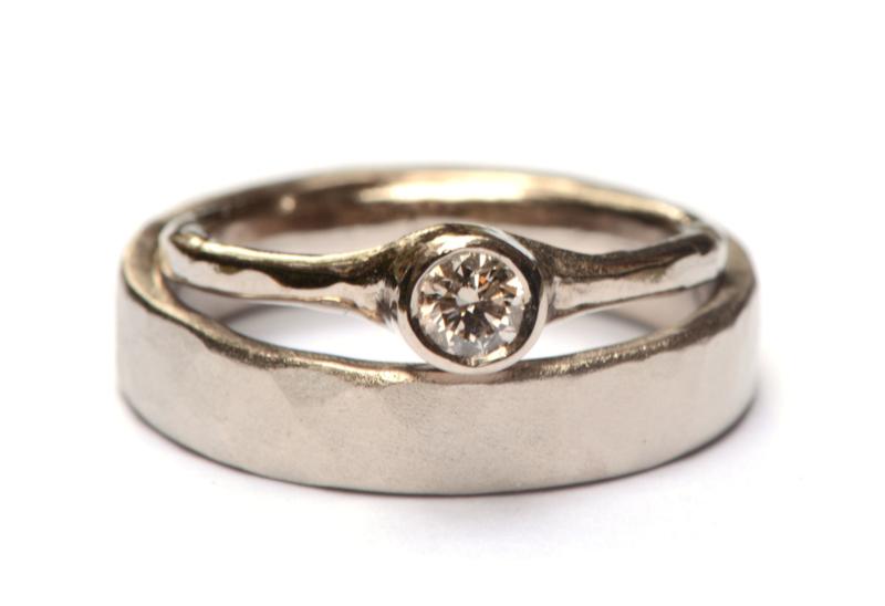 Trouwringenset in palladiumwitgoud met diamant