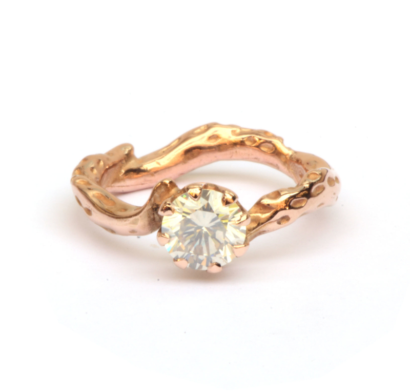Kroonring met ice white diamant