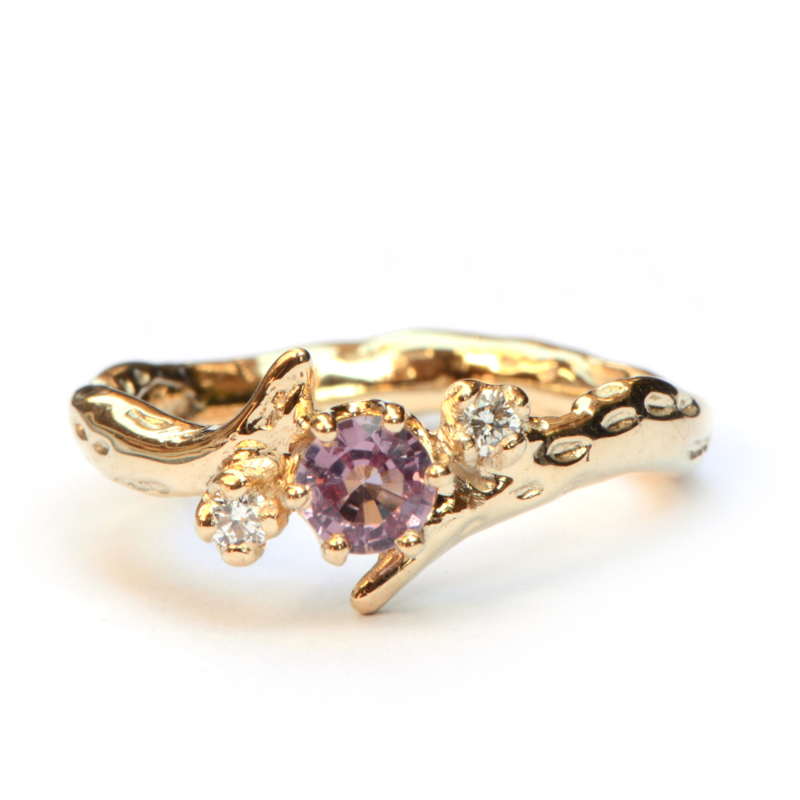 Ring Vicky met roze spinel