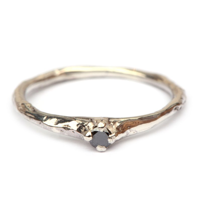 Willa ring met zwarte diamant