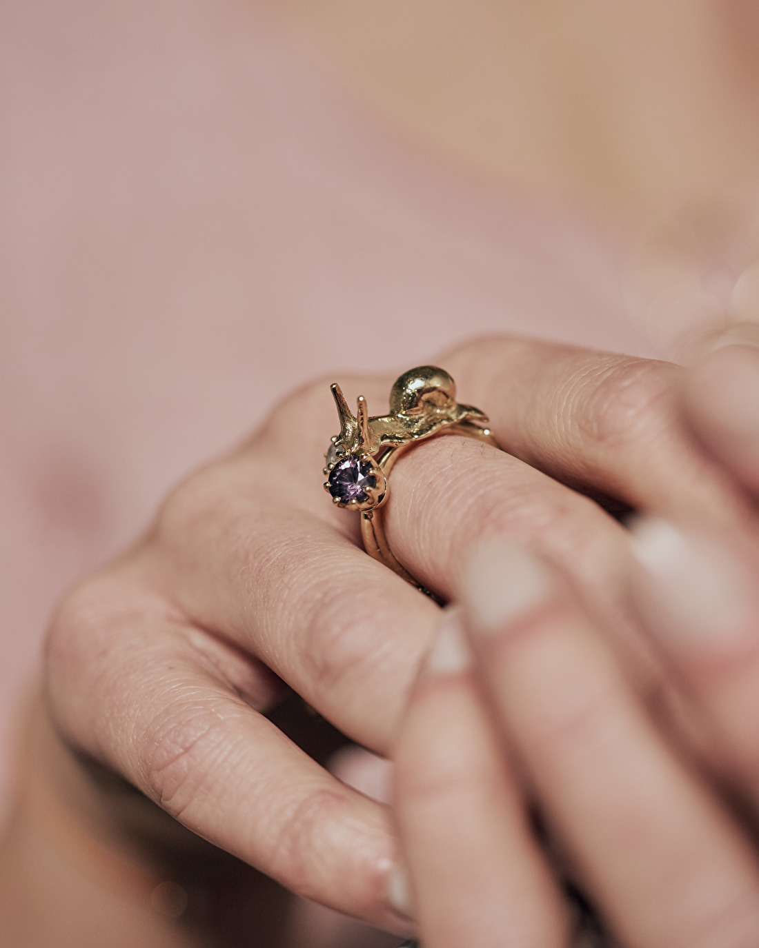 Ring with snail