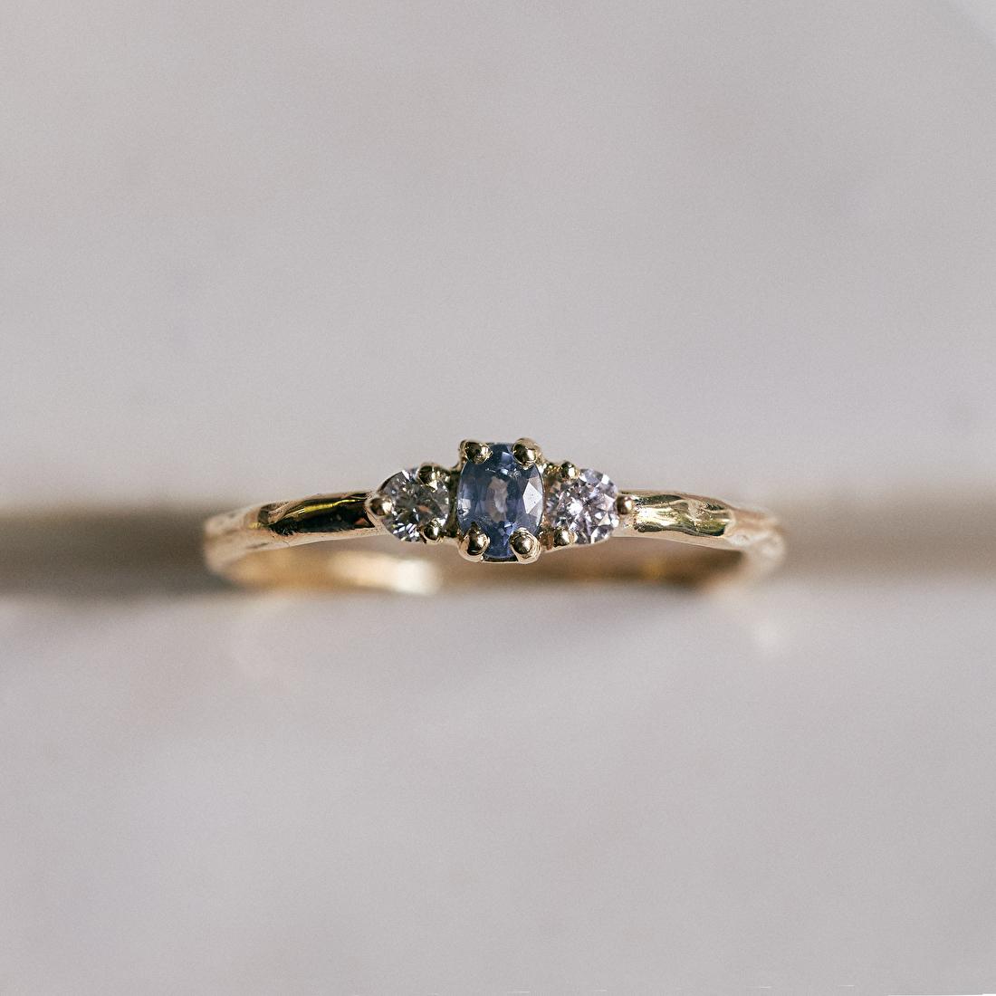 Verlovingsring met saffier