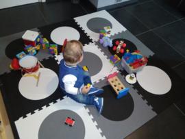 Spielmatte mit  Kreise / 9 Fliesen (50 x 50 x 1,4 cm)