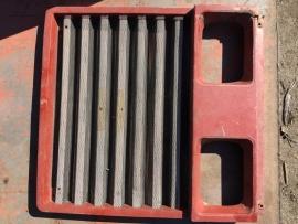 Fiat 1880 grill