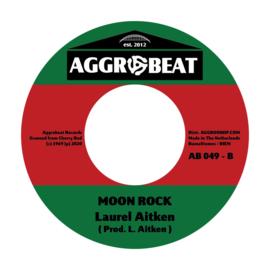 "Winston Groovy / Laurel Aitken -  Skinhead A Wreck The Town / Moon Rock 7"""