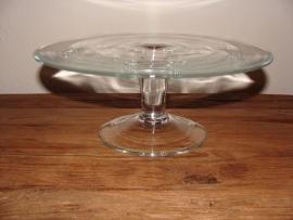 Taartschaal van glas op voet