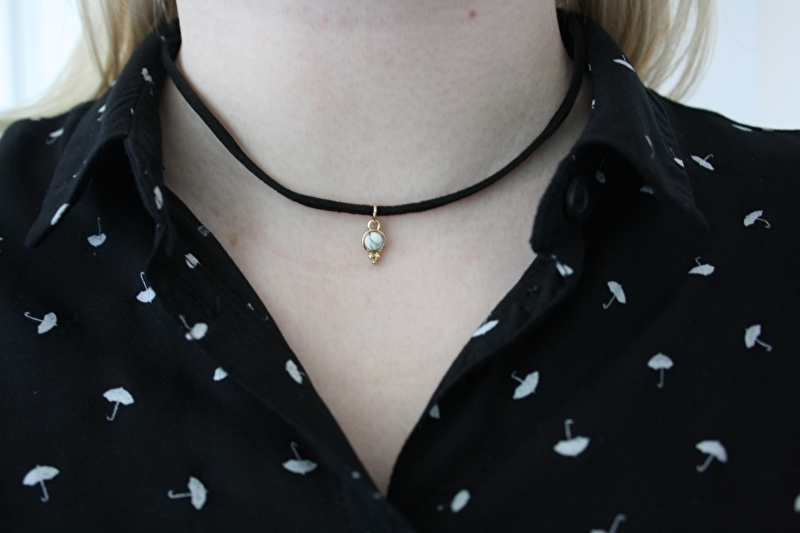 Choker Necklace White Stone
