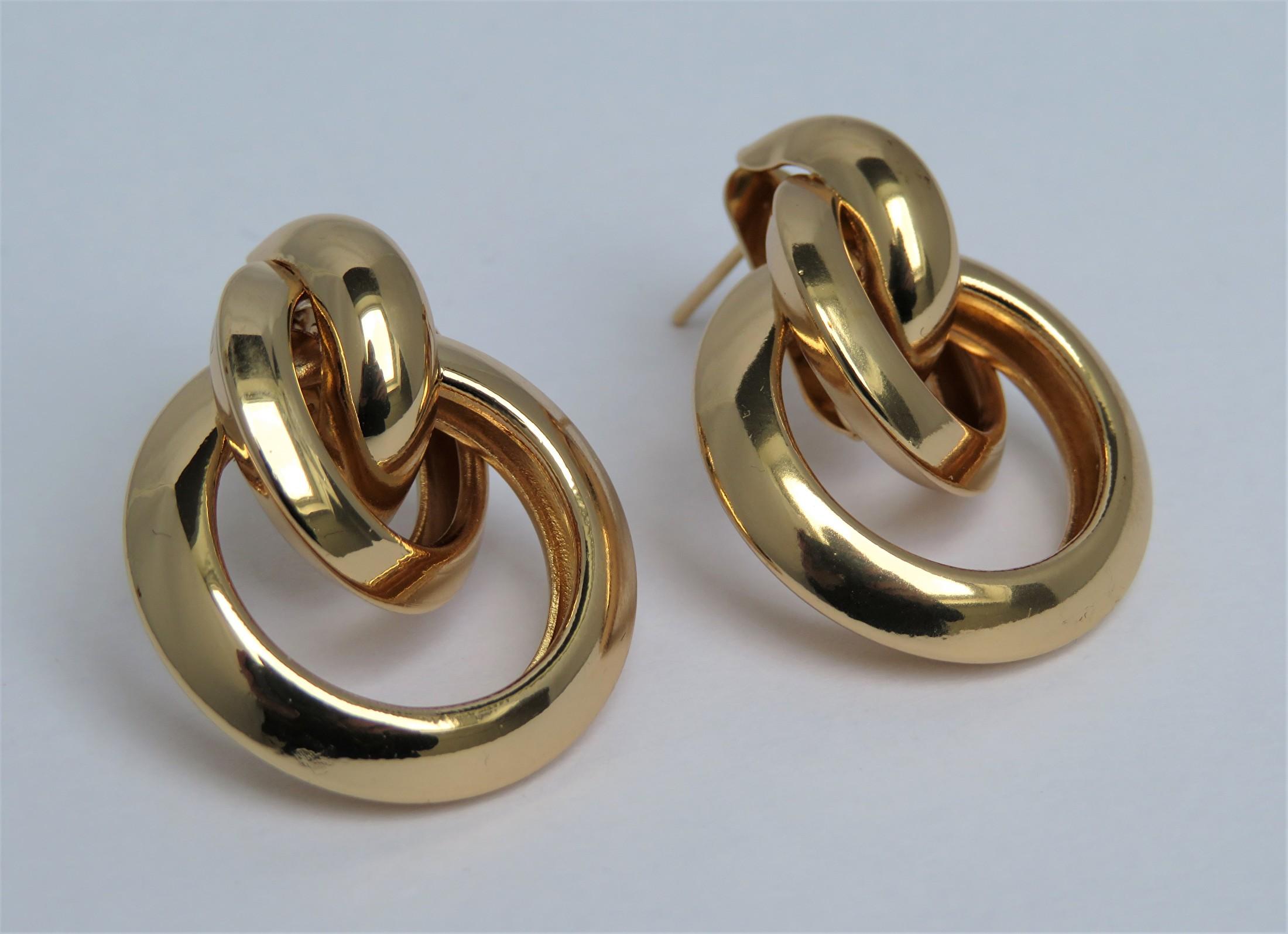 chique earrings