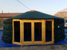 7-muurs Yurt met serre deuren half grote  ramen