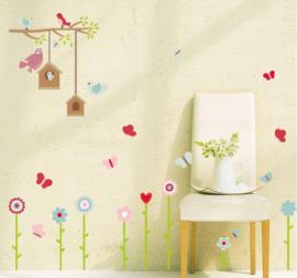 Muursticker vogelhuisje  en bloemen kinderkamer