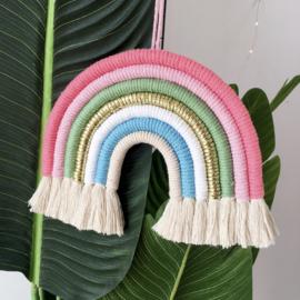 Regenboog hanger zachte kleuren kinderkamer 28cm x 25cm