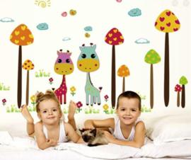Muursticker giraffe paddenstoelen bos kinderkamer
