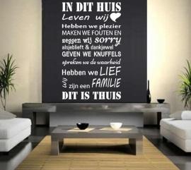 Huisregels muursticker: In dit huis leven wij, hebben we plezier