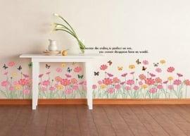 Muursticker  roze bloemen en vlinders