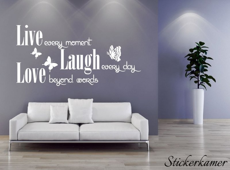 Live Laugh Love met vlinders muurtekst