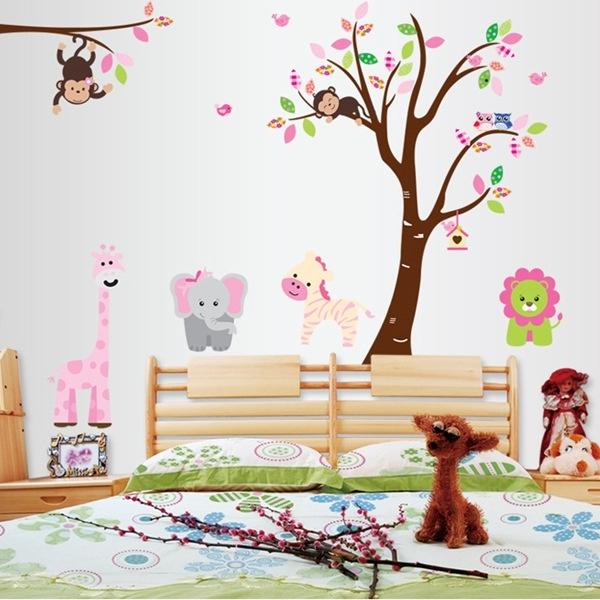 Muursticker boom met roze dieren uit de dierentuin baby kinderkamer