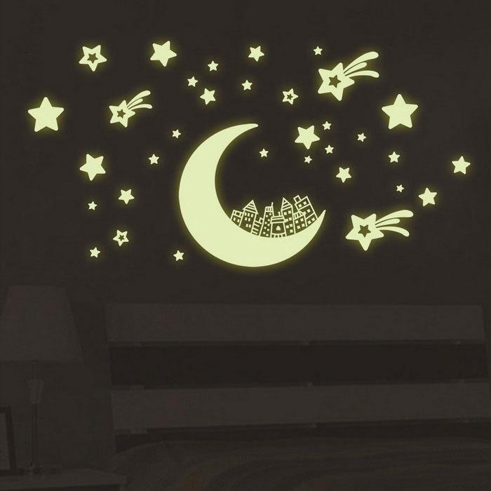 Glow in the dark maan met vallende sterren muursticker kinderkamer
