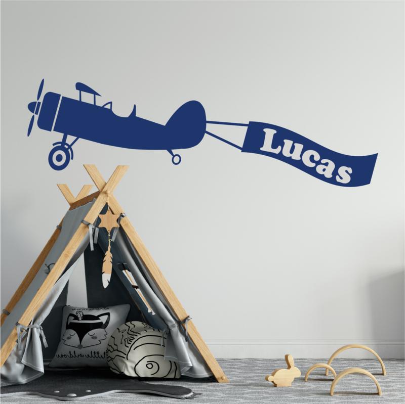 Muursticker vliegtuig met naam jongenskamer