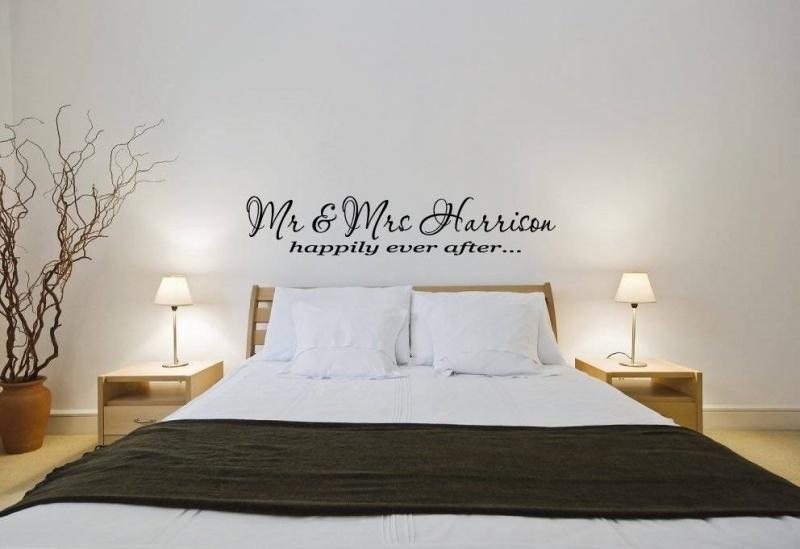 "Naamsticker. Mr. & Mrs ""uwnaam"" happily ever after"