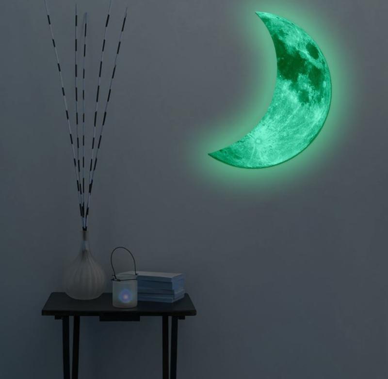 Glow in the dark halve maan 30 cm hoog muursticker babykamer
