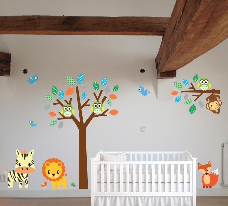 Vrolijke muursticker boom + tak + dieren