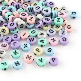 Letterkralen van acryl alfabet pastel