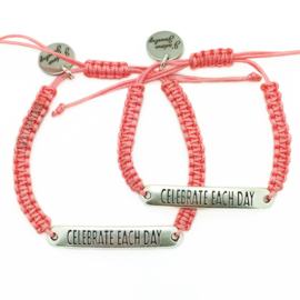 Armbandje ''celebrate each day'' - rose peach & zilver