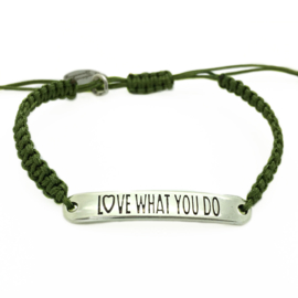 Armbandje ''love what you do'' - olive & zilver