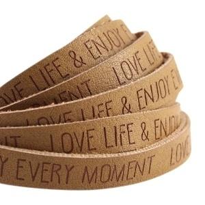 Plat imitatieleer mustard brown 'love life & enjoy every moment'