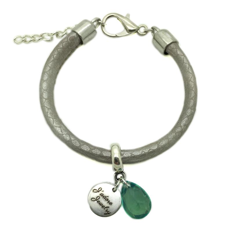 Armbandje ''leather look'' - sand grey, green & zilver