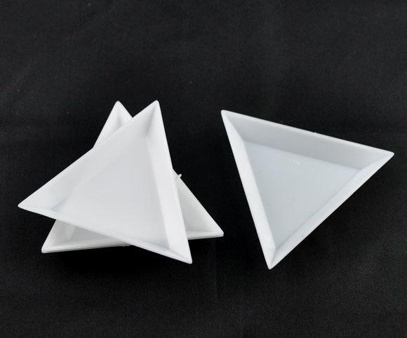 Kralen bakje driehoek wit