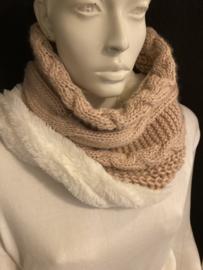Roundie sjaal licht rose fur