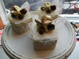 Kerst gebakje goud