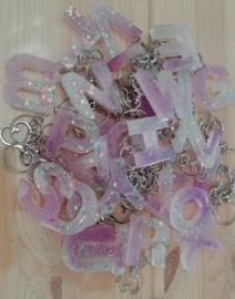 Sleutelhanger Letter lila glitter