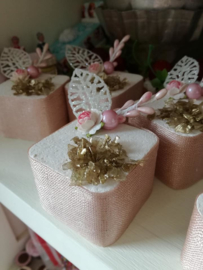 Rose gouden gebakjes