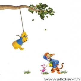 CD014 Slingerende Winnie de Pooh muursticker