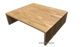 Salontafel van eikenhout