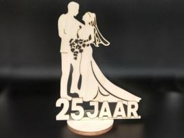 Bruidspaar '25 jaar' op voet
