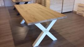 Massief eikenhouten (eet) tafel met X poot/onderstel